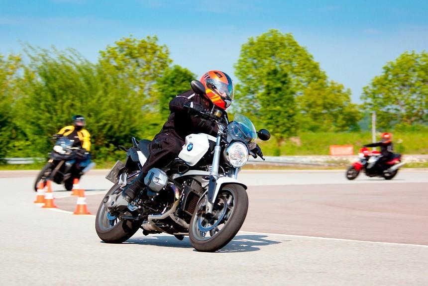 Как научиться водить мотоцикл с нуля: советы инструктора